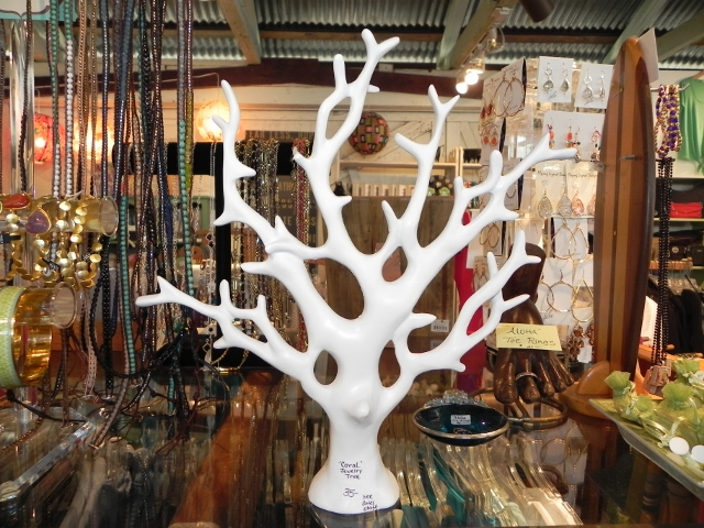 Two's Company Coral Jewelry Tree