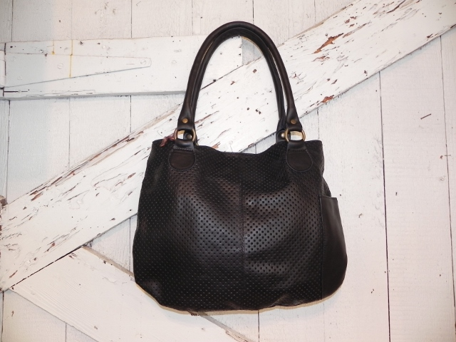 Evangeline Shoulder Tote in Black