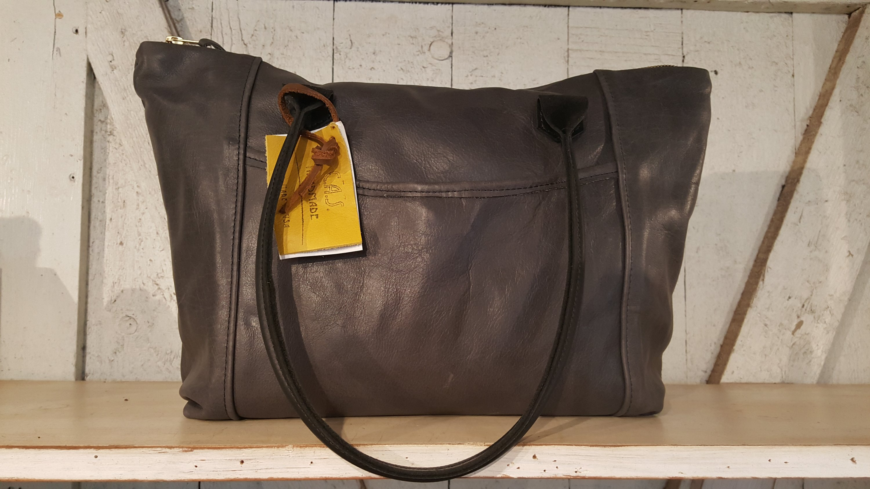 Handmade Leather Goods – Collections Maui