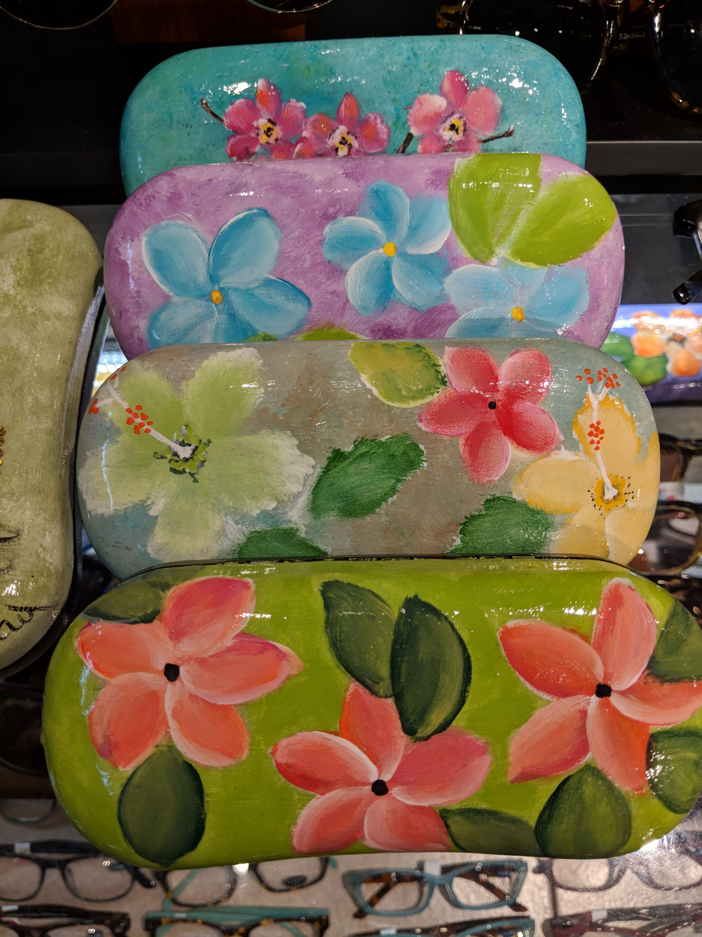 Beautifully handpainted eyeglass cases collections maui whether you like a beach scene with palm trees turtles cats or beautiful hawaiian flowers theres something for everyone and proceed just right at izmirmasajfo